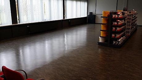 linoleum linoleum vloer onderhoud van der sande specialistisch reinigen. Black Bedroom Furniture Sets. Home Design Ideas